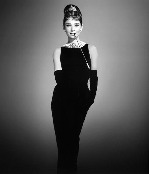 ab2dcd671 El mundo de la moda hoy celebra el aniversario del nacimiento de Coco Chanel,  nombre con el que se hizo famosa la diseñadora de modas francesa Gabrielle  ...