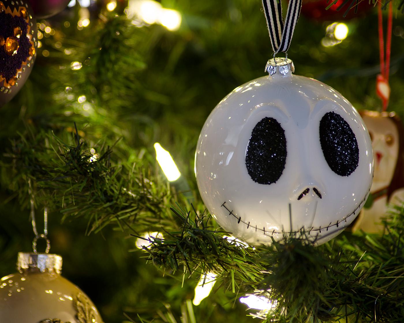 Los Adornos Navidenos Representan Un Objeto Esencial Del Diseno - Adronos-de-navidad