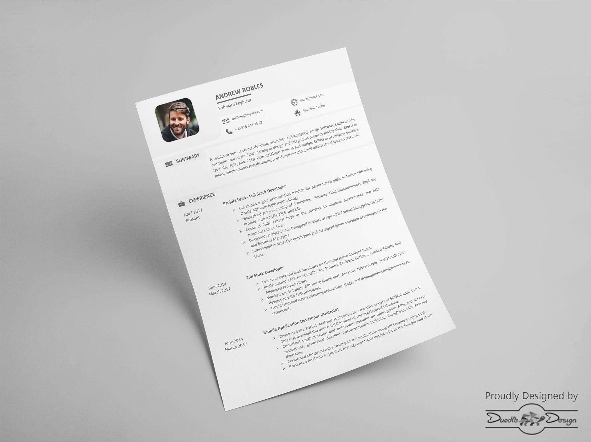 Ten un CV de diseño minimalista con esta plantilla libre | paredro.com