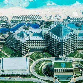 La arquitectura turística está en cualquier destino, pero además ésta debe crearse para atender las necesidades de los clientes.
