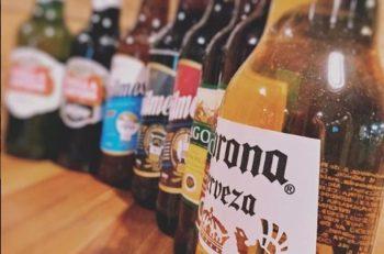 En el Día Internacional de la Cerveza te presentamos 15 diseños de etiquetas que seguramente no querrás beberte para así coleccionarlas.
