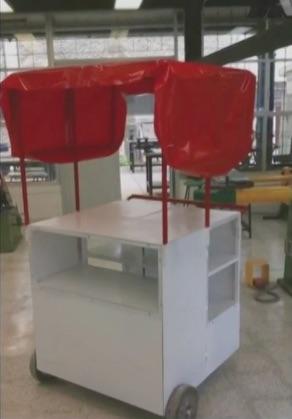 Estudiantes de diseño industrial de la UAM Xochimilco crearon prototipos de carritos, optimizados y de bajos costos, para los vendedores ambulantes.