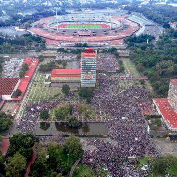 Durante la marcha de la UNAM en contra de los porros, miles de imágenes se capturaron en el lente de la cámara de fotógrafos.