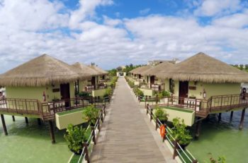 La arquitectura turística se basa en cubrir las necesidades de los huéspedes, pero para desarrollarlo exitosamente, se debe conjuntar con el marketing.