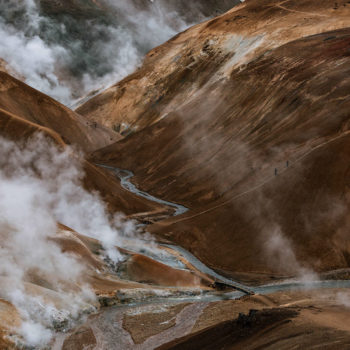Kerlingarfjöll es una cordillera montañosa ubicada en las tierras más altas de Islandia. Para Michael Schauer pareciera marte en la hora azul.