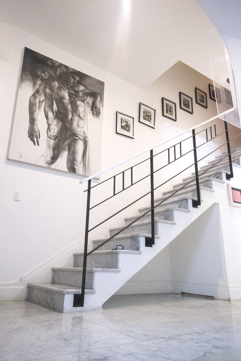 En entrevista para Paredro, Marco Zamudio nos extiende una invitación para acercarnos al arte através de La Silvestre Atelier, una galería única.