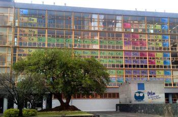 Una Tabla Periódica gigante fue diseñada para mostrarse en las ventanas del edificio de la UNAM, parte de la celebración del Año Internacional ésta.