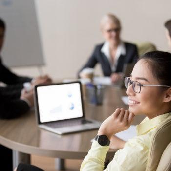 Atiende estas cinco recomendaciones para saber cómo concentrarte mejor y así evitar distractores que te hagan perder el tiempo.