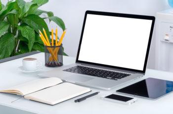 Hacer un portafolio de diseño creativo es más sencillo de lo qué crees si conjuntas, organizas y distribuyes de manera adecuada su contenido.